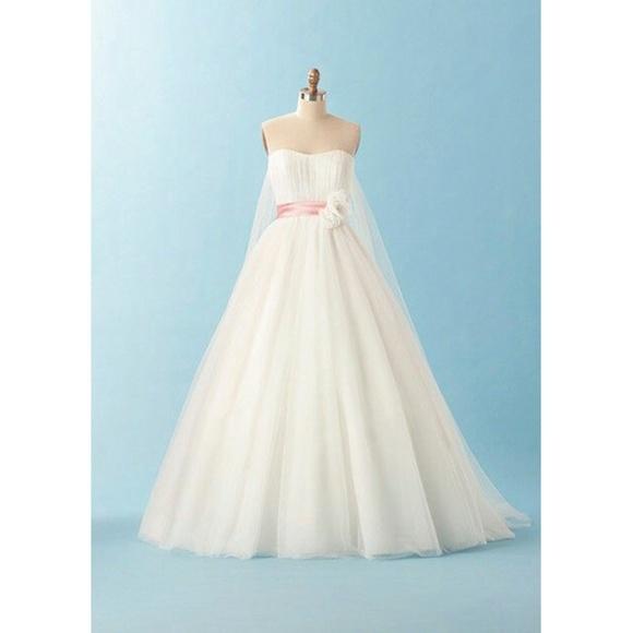 Alfred Angelo Snow White Wedding Dress Nwt